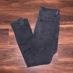 Forever 21 Black Ankle Skinny Jeans in Size 28